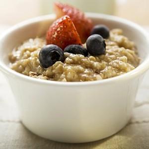 Porridge with berries (1)